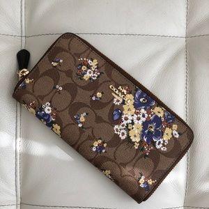 Coach Accordion Zip Wallet Medley Bouquet Print